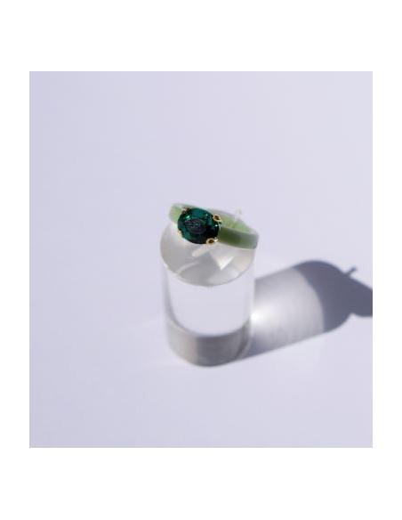 Anillo Resina Verde y Color Esmeralda Ovalada