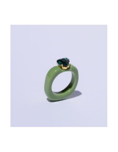 Anillo Resina Verde y Corazón Color Esmeralda